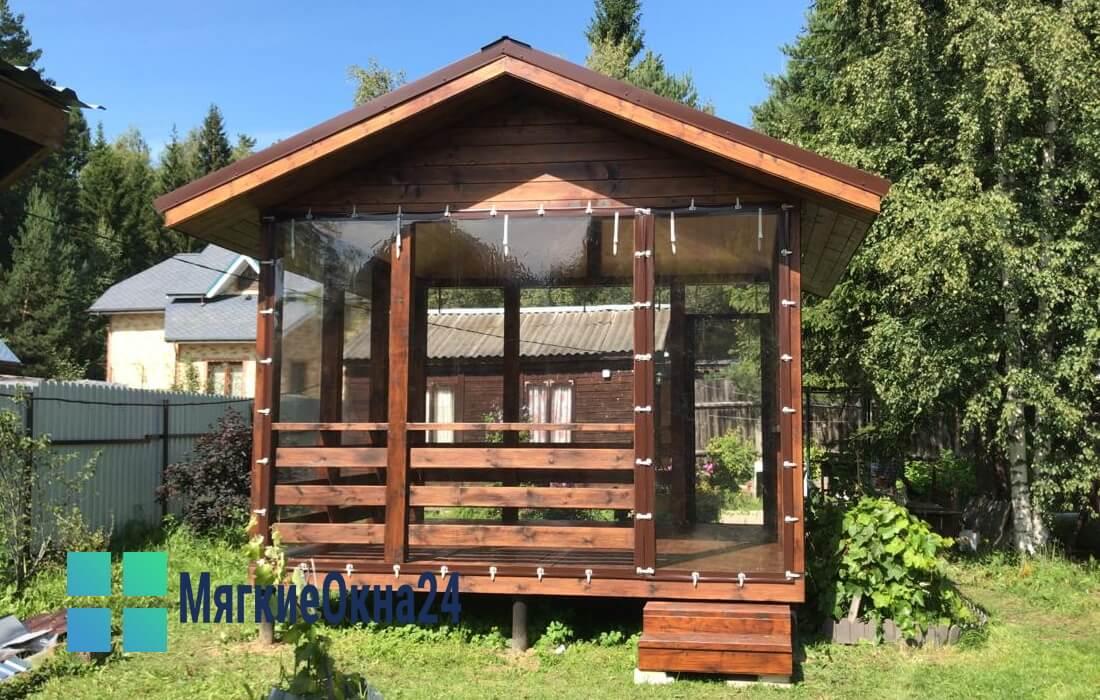 Мягкие-окна-для-деревянной-беседки-1